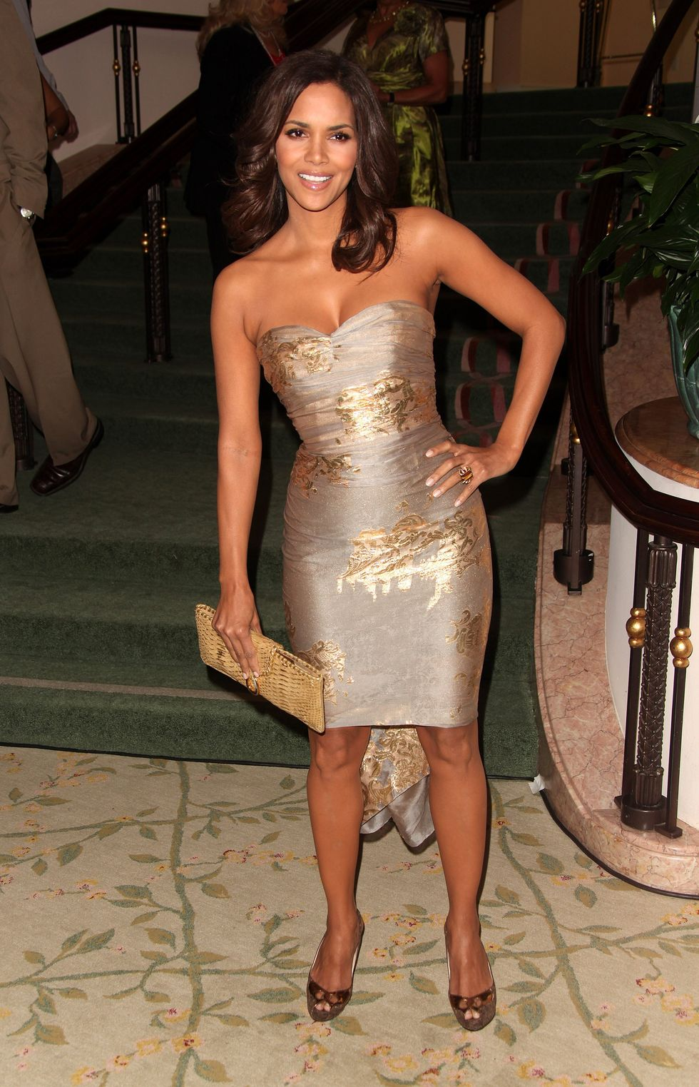 halle-berry-2nd-annual-essence-awards-luncheon-in-beverly-hills-01