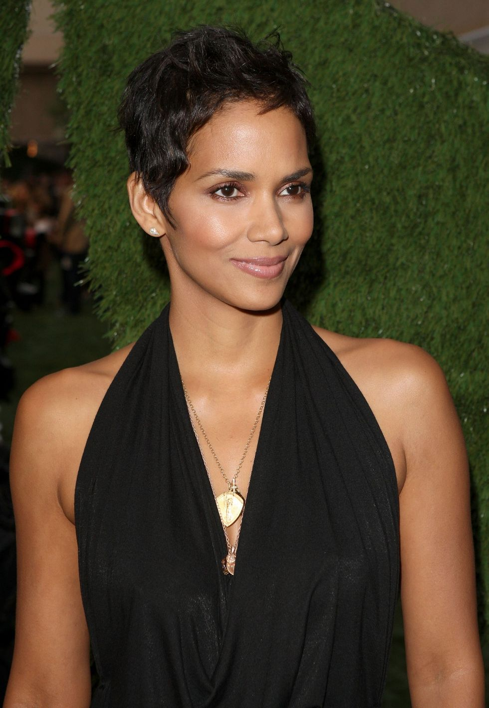 halle-berry-spike-tvs-2009-guys-choice-awards-01