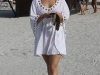 hayden-panettiere-at-the-beach-in-miami-02