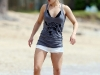 hayden-panettiere-candids-at-the-beach-in-hawaii-01