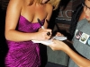 hayden-panettiere-cleavage-candids-at-comic-con-in-san-diego-04
