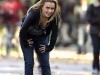 hayden-panettiere-cleavage-candids-on-heroes-set-03
