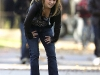 hayden-panettiere-cleavage-candids-on-heroes-set-05