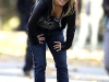 hayden-panettiere-cleavage-candids-on-heroes-set-06