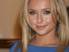 hayden-panettiere-launches-her-new-fashion-clutch-bag-by-dooney-bourke-in-las-vegas-09