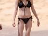heather-graham-bikini-candids-at-the-beach-in-hawaii-03