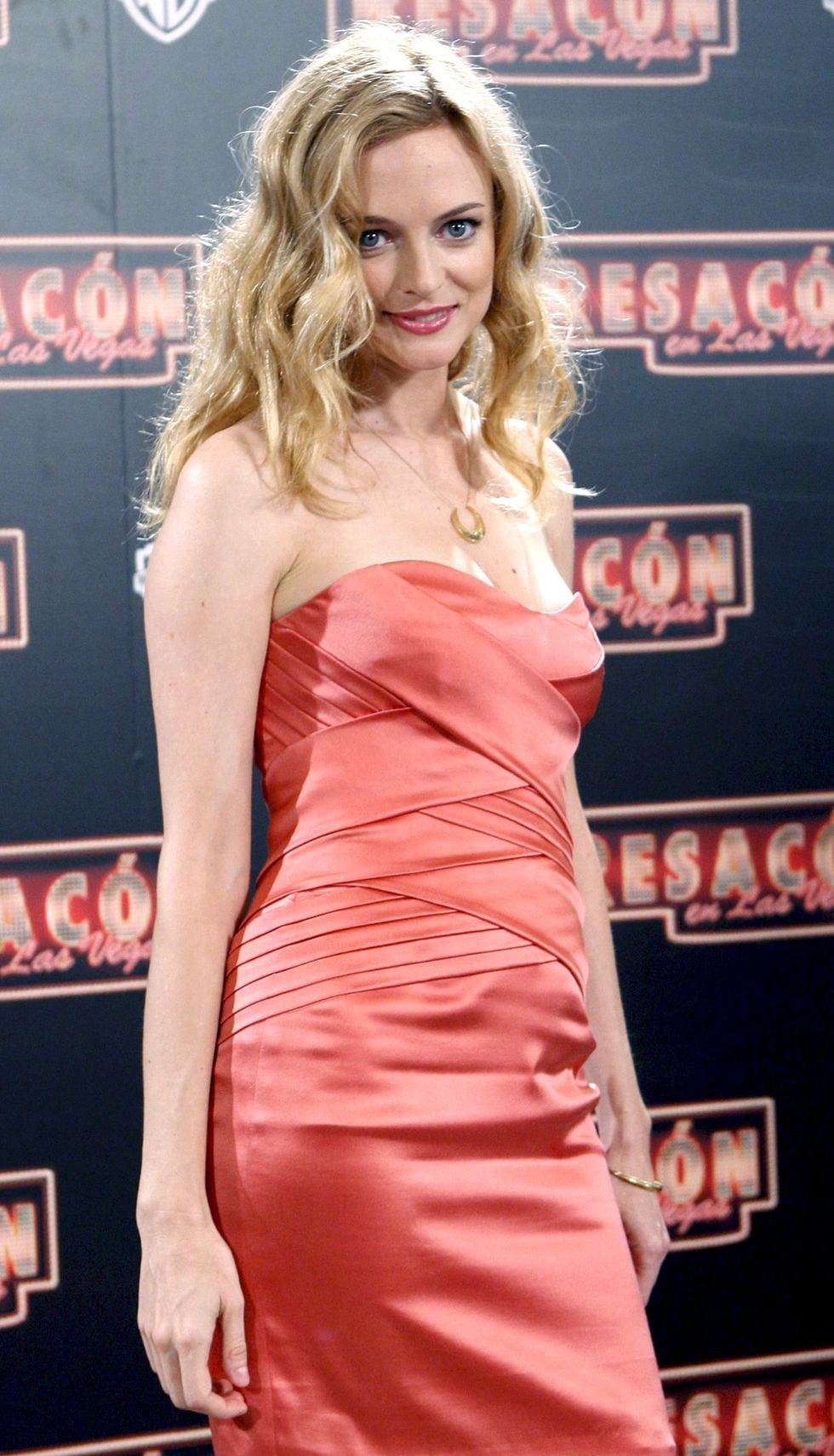 heather-graham-the-hangover-premiere-in-barcelona-01