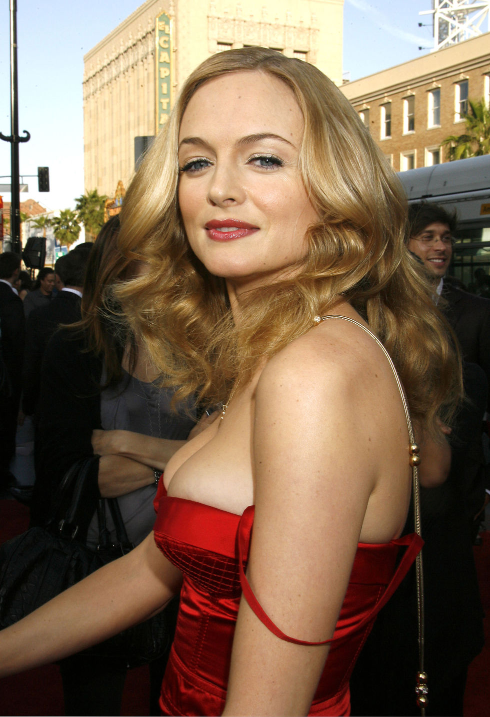 heather-graham-the-hangover-premiere-in-los-angeles-01