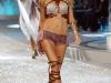 heidi-klum-2008-victorias-secret-fashion-show-16