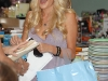 heidi-montag-leggy-candids-at-kitson-in-los-angeles-12