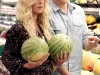 heidi-montag-leggy-candids-in-grocery-shop-01