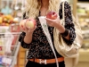 heidi-montag-leggy-candids-in-grocery-shop-07