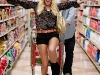 heidi-montag-leggy-candids-in-grocery-shop-10