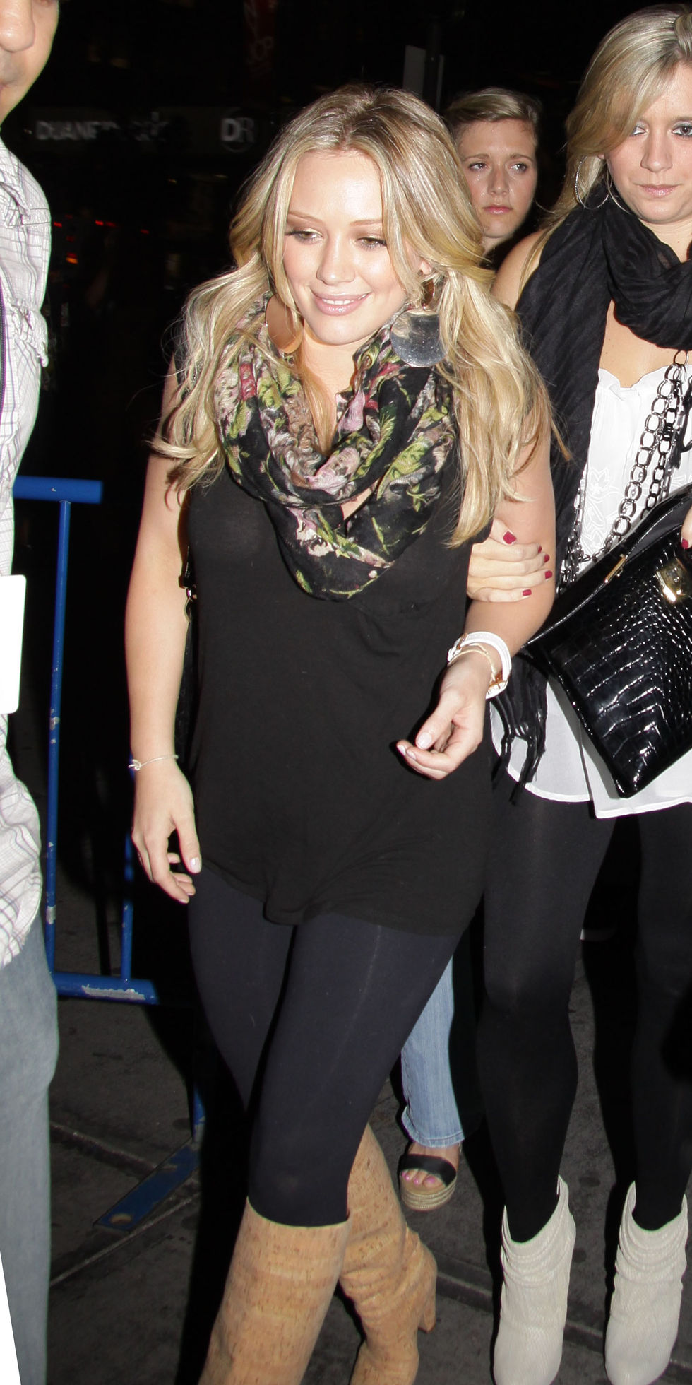 hilary-duff-at-britney-spears-concert-in-new-york-01