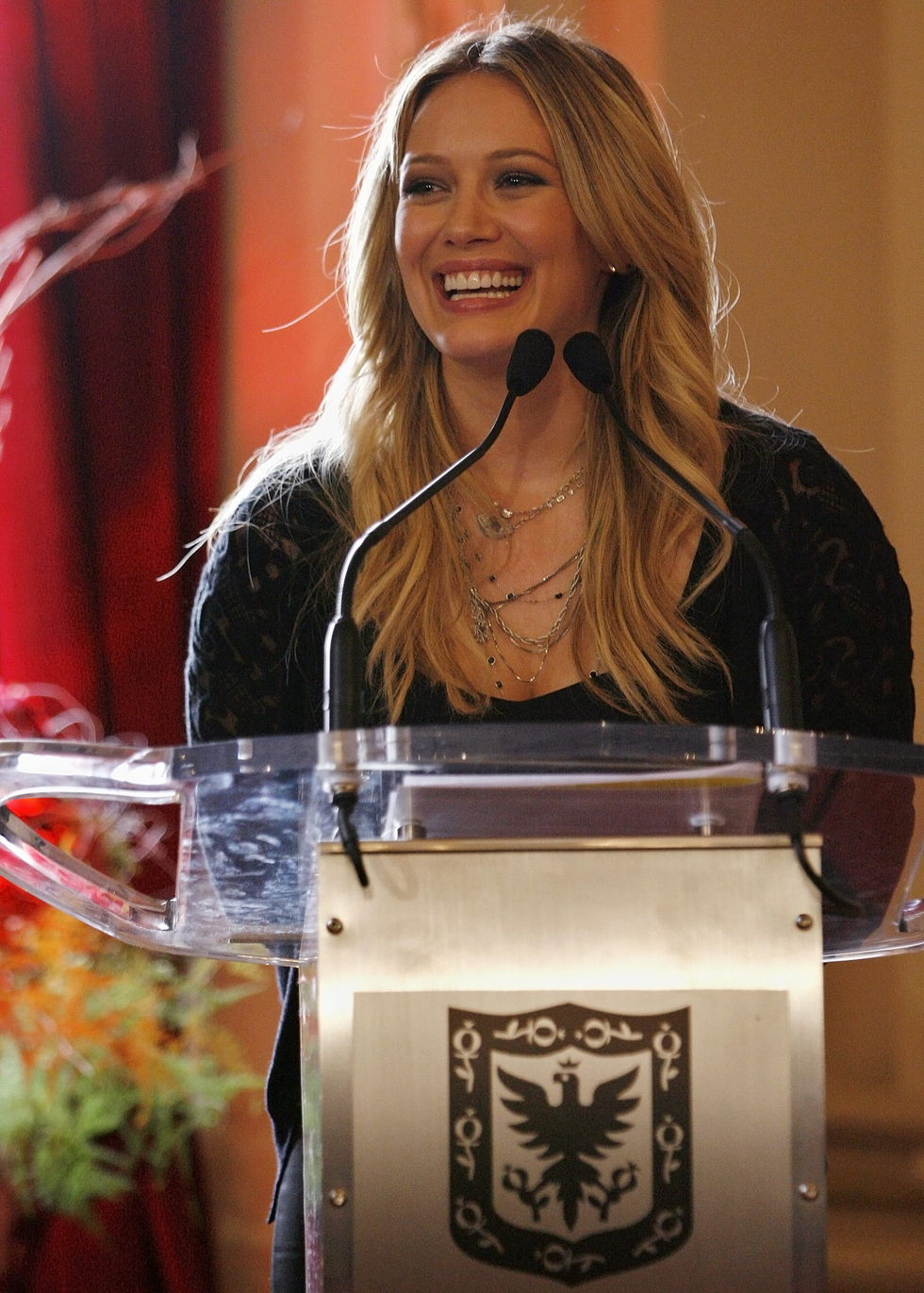 hilary-duff-blessings-in-a-backpack-press-conference-in-bogota-01