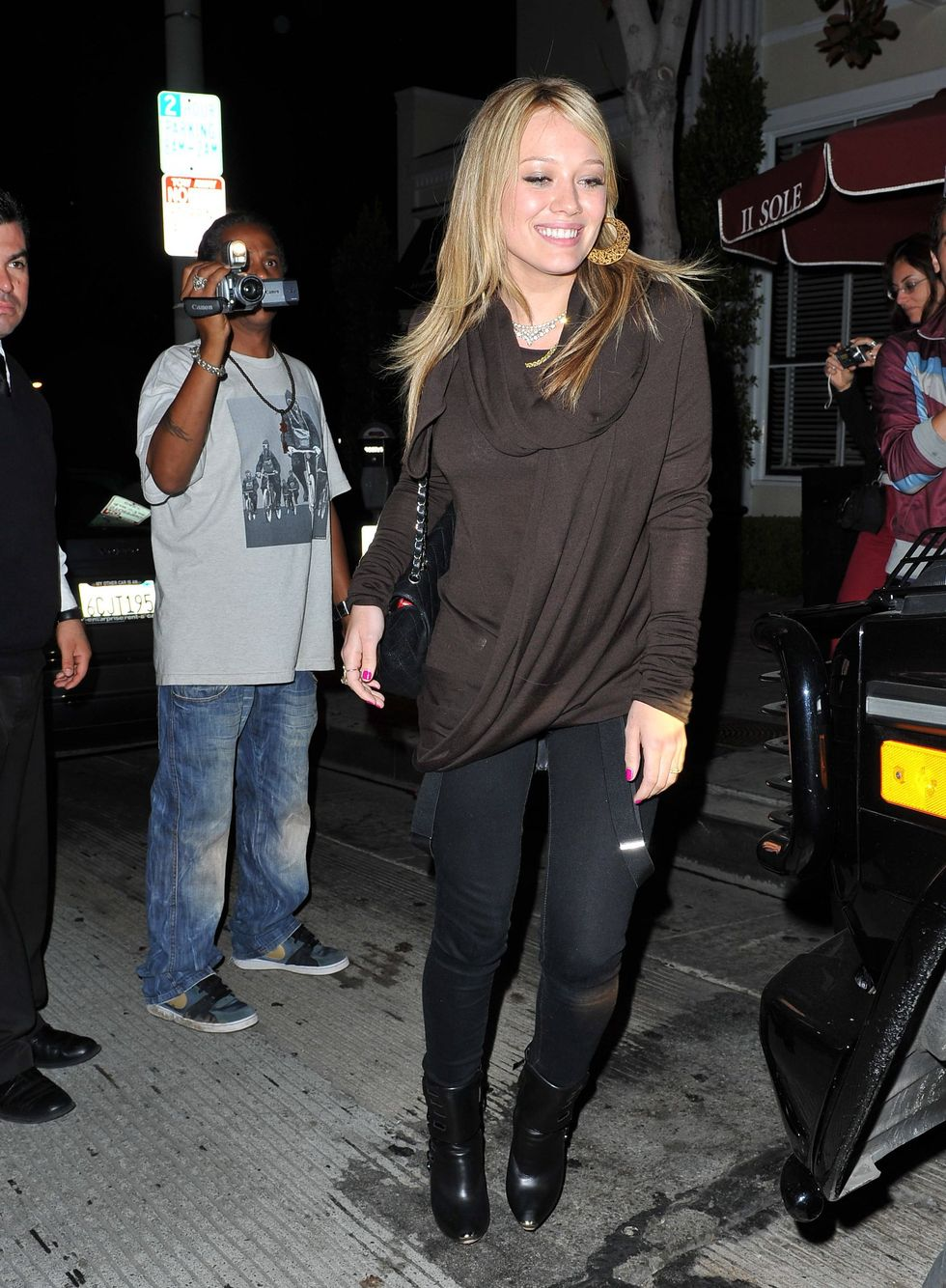 hilary-duff-candids-in-hollywood-01