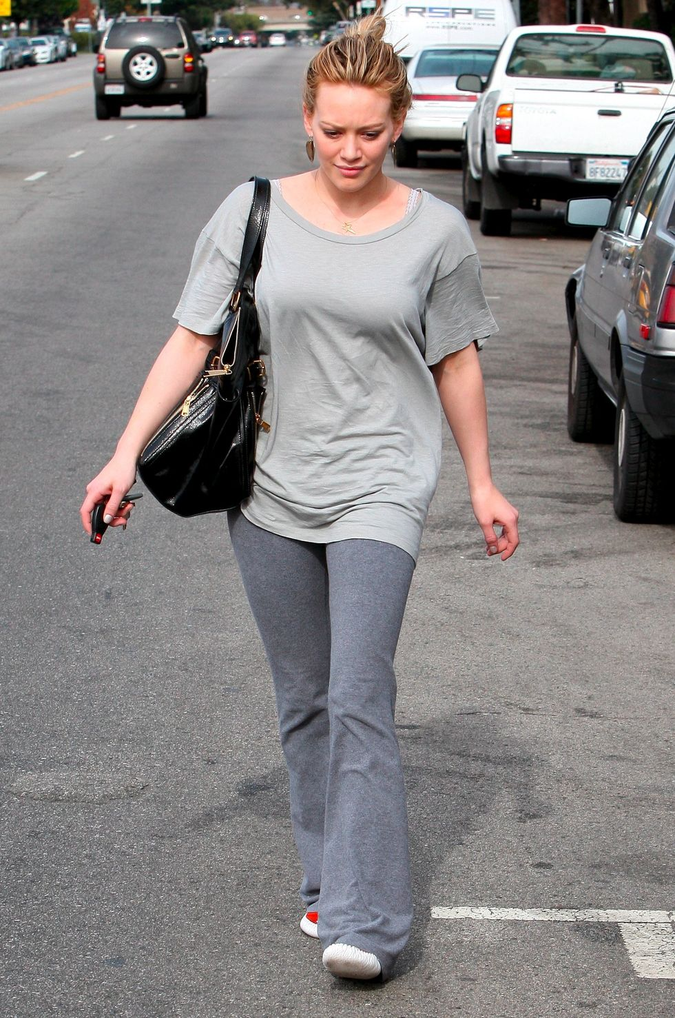 hilary-duff-candids-in-los-angeles-3-01