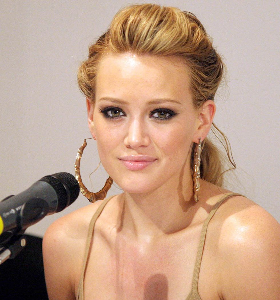 hilary-duff-dignity-tour-press-conference-in-sao-paulo-01