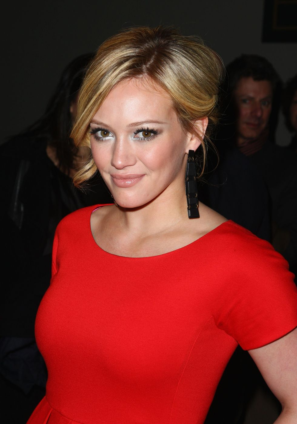hilary-duff-dkny-fall-2009-fashion-show-01
