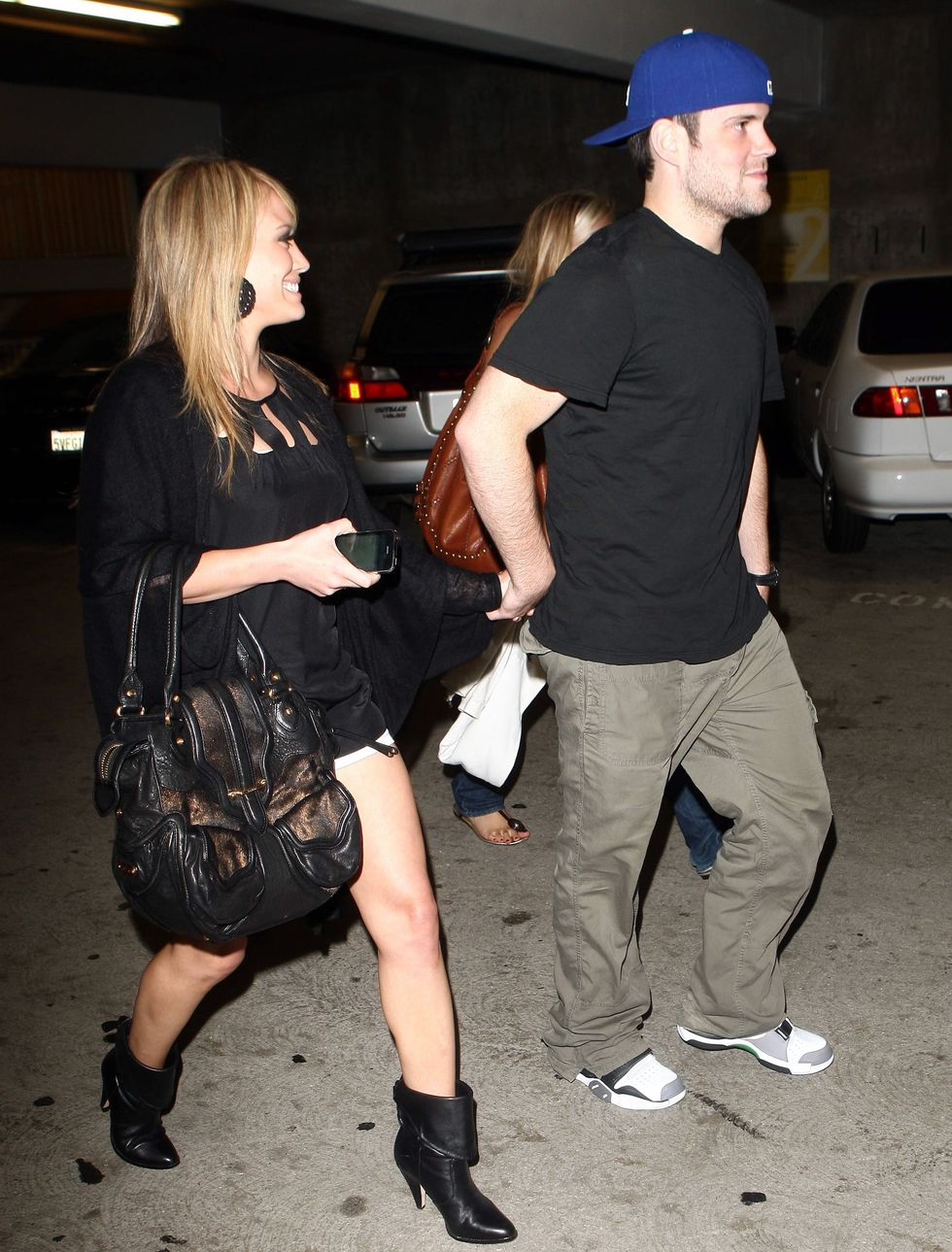 hilary-duff-leggy-candids-at-arclight-cinemas-in-hollywood-01