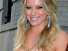 hilary-duff-leggy-candids-on-gossip-girl-set-12