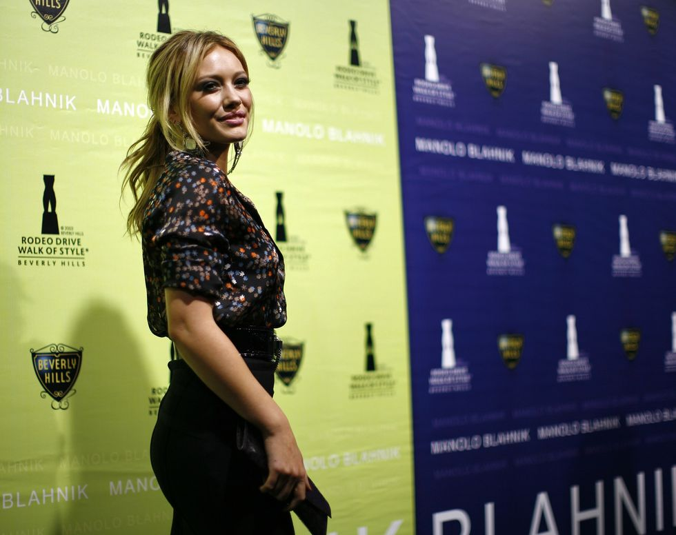 hilary-duff-rodeo-drive-walk-of-style-award-in-los-angeles-09