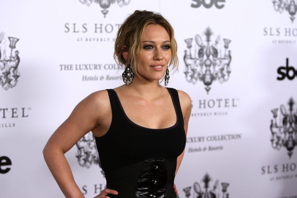 hilary-duff-sls-hotel-grand-opening-in-beverly-hills-01