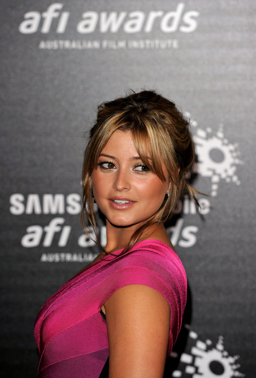 holly-valance-samsung-mobile-afi-awards-2009-01