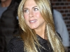 jennifer-aniston-at-the-late-show-with-david-letterman-in-new-york-03