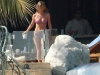 jennifer-aniston-bikini-candids-in-mexico-lq-2-03
