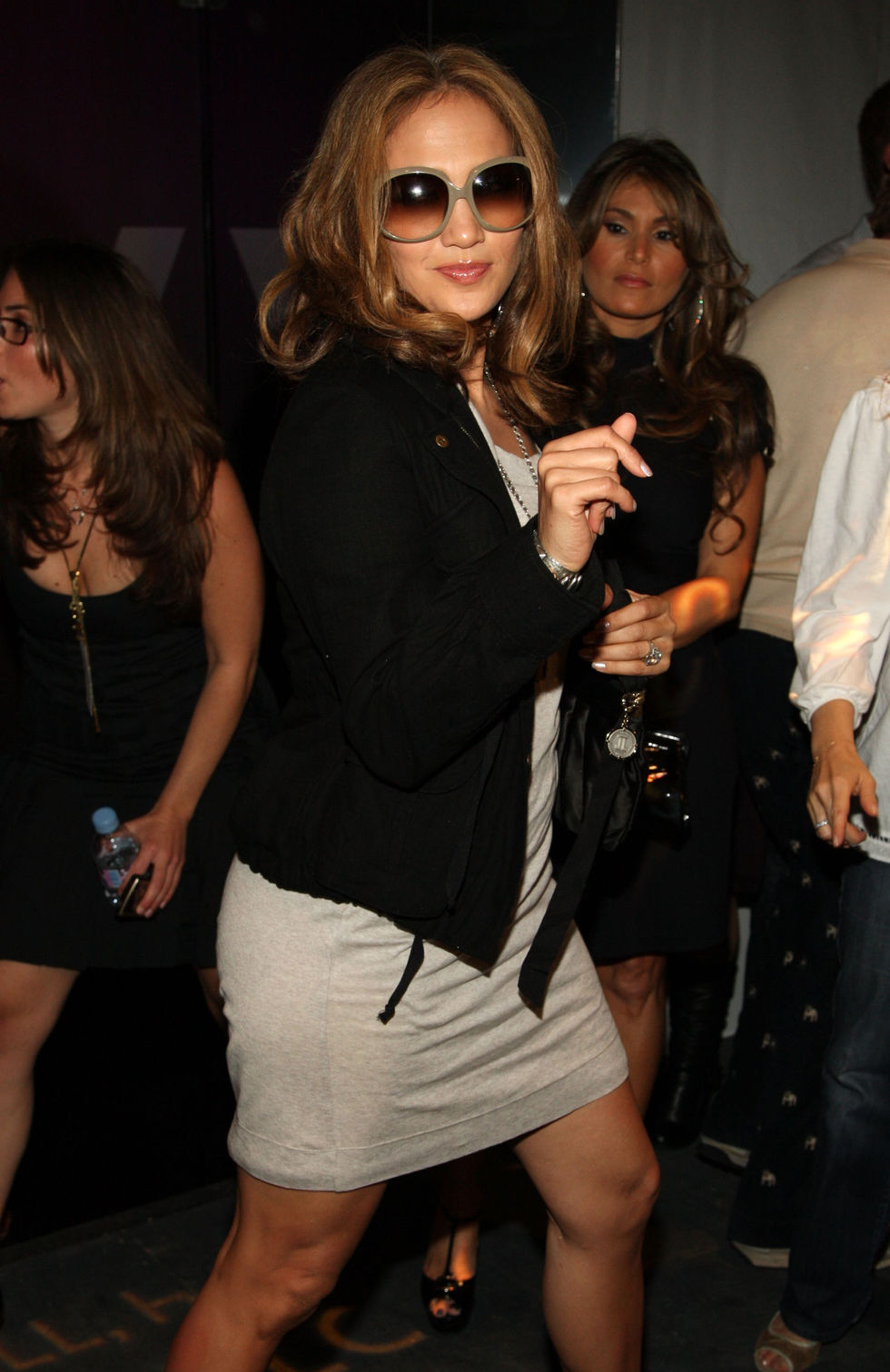 jennifer-lopez-at-mercedes-benz-fashion-week-in-new-york-01