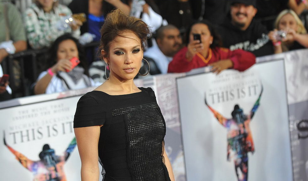 jennifer-lopez-this-is-it-premiere-in-los-angeles-01