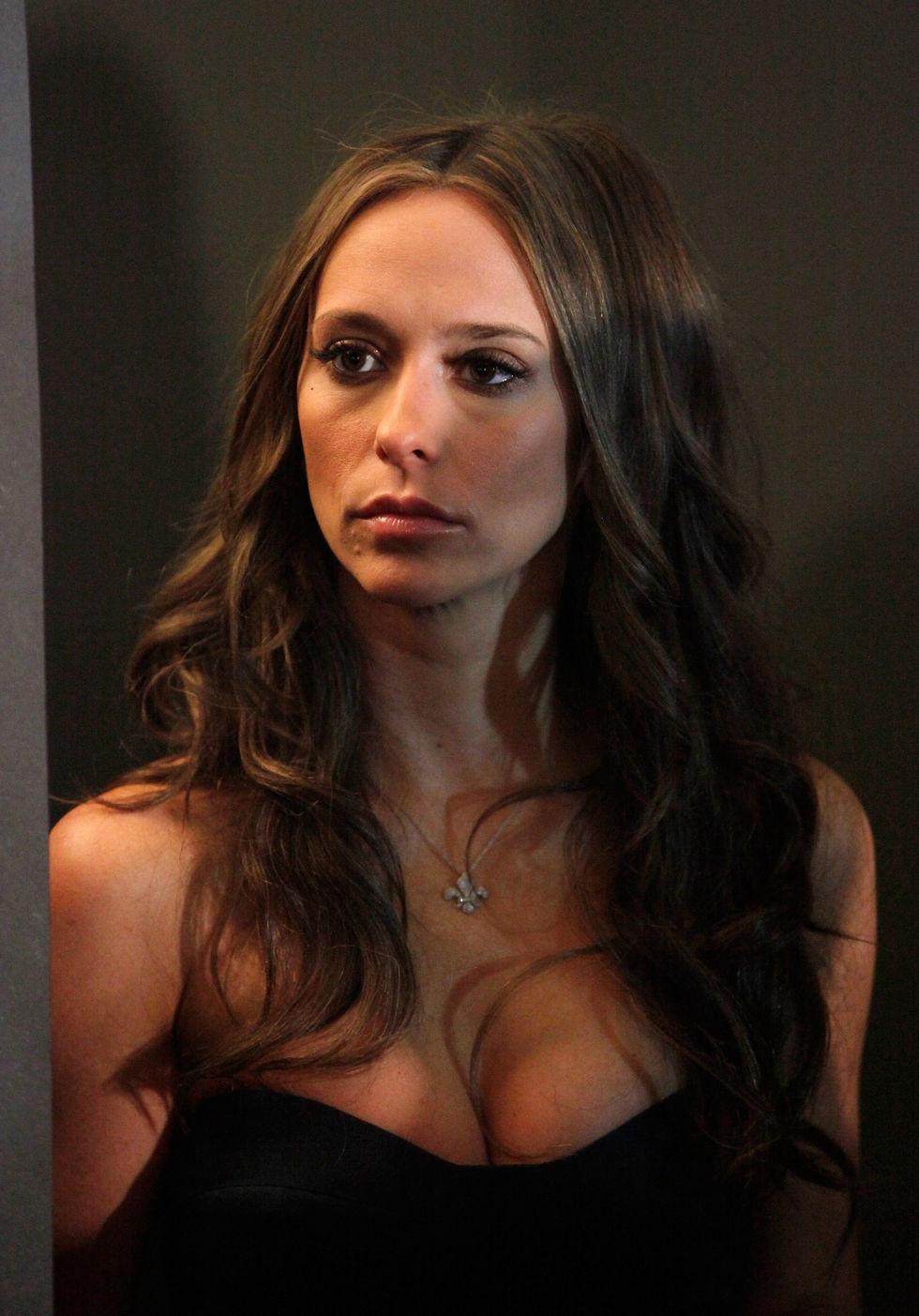 Jennifer Love Hewitt Lesbian Kiss 39