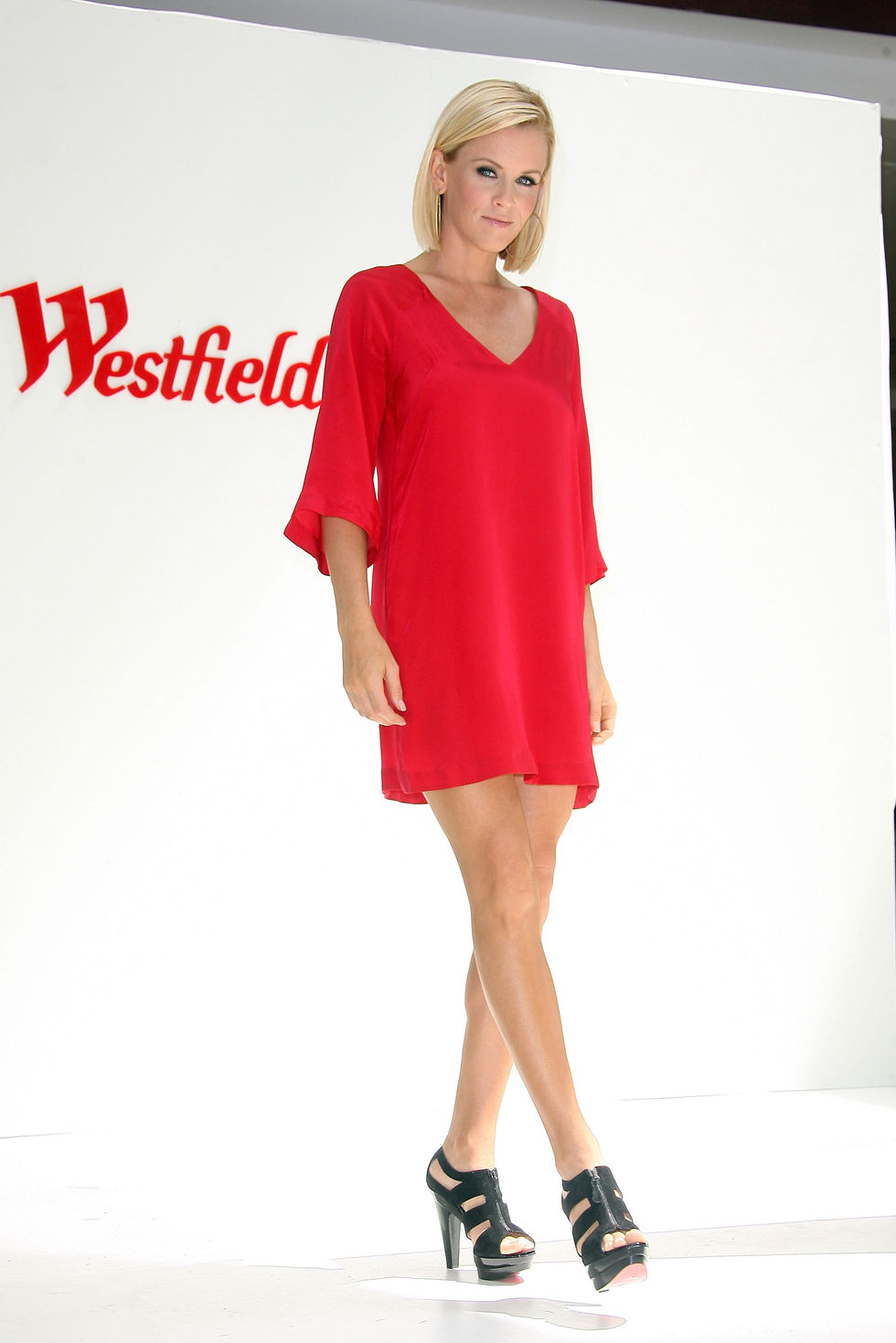 jenny-mccarthy-westfield-topangas-luxury-wing-grand-opening-in-canoga-park-01