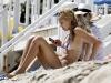 jessica-alba-bikini-candids-at-the-beach-in-malibu-09