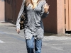 jessica-alba-cleavage-candids-in-los-angeles-2-03
