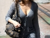 jessica-alba-cleavage-candids-in-los-angeles-2-05