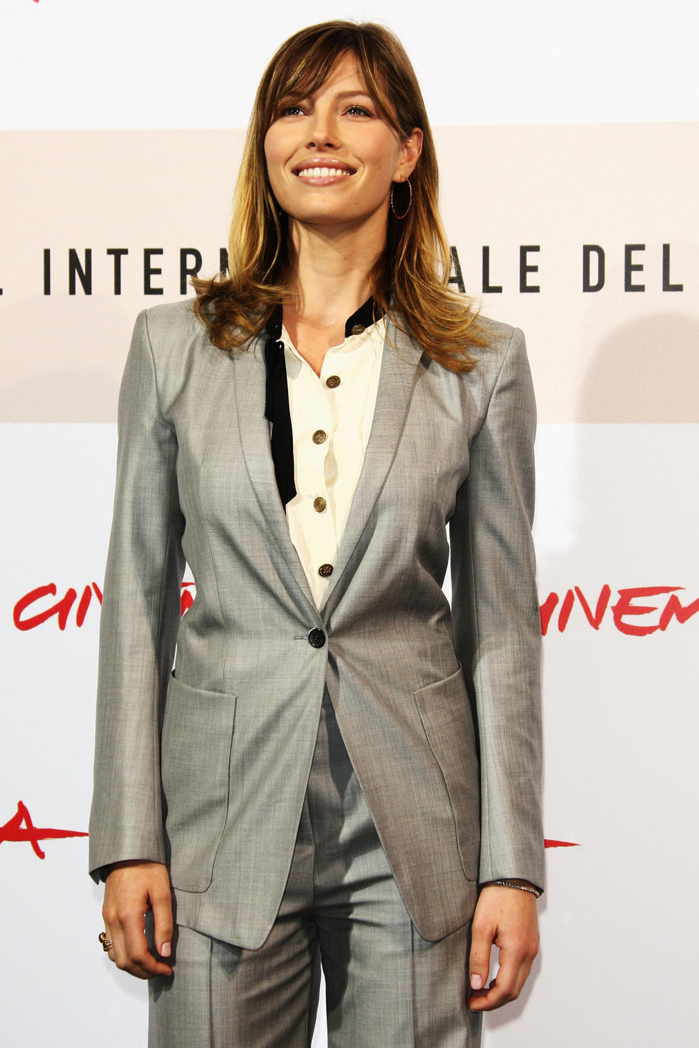 jessica-biel-easy-virtue-premiere-in-rome-01