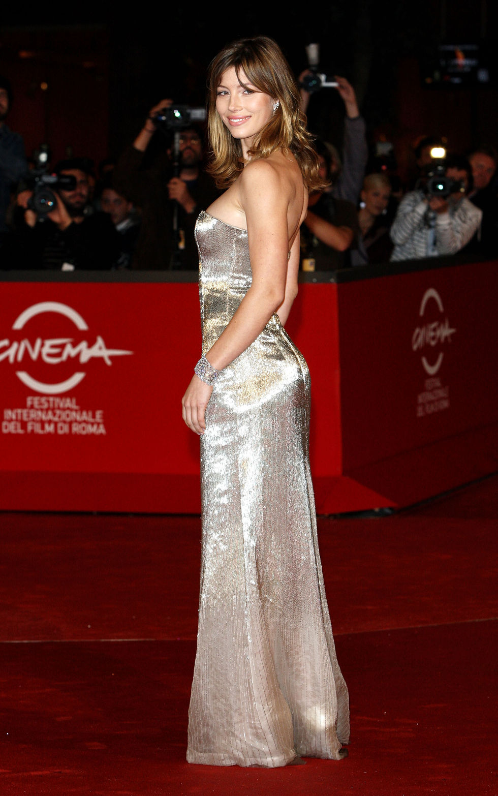 jessica-biel-easy-virtue-premiere-in-rome-13