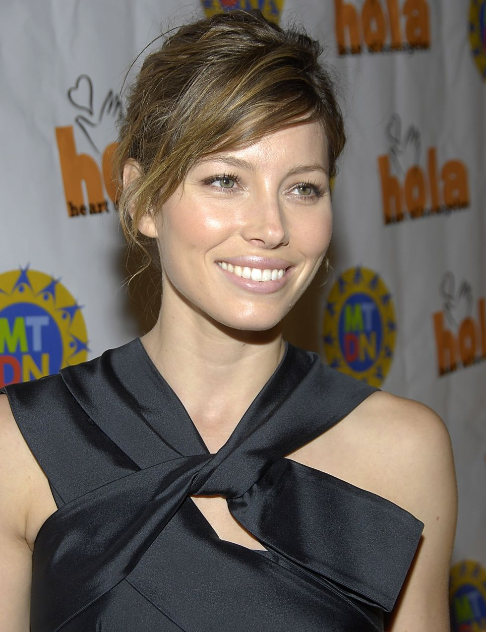 jessica-biel-heart-of-los-angeles-holiday-of-the-heart-gala-in-los-angeles-01