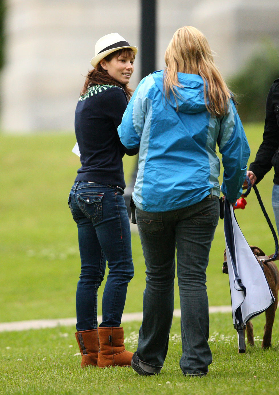 jessica-biel-on-the-set-of-the-nailed-02