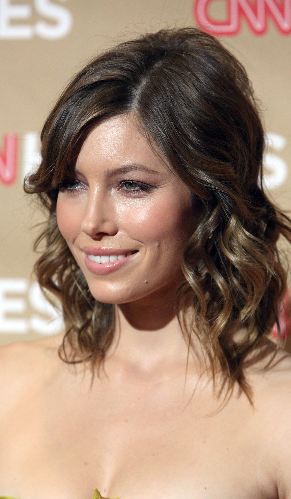 jessica-biel-second-annual-cnn-heroes-an-all-star-tribute-in-hollywood-01