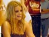 jessica-simpson-at-a-dilliards-department-store-in-scottsdale-06