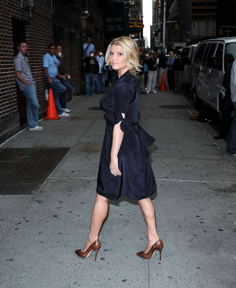 jessica-simpson-at-the-late-show-with-david-letterman-in-new-york-city-08