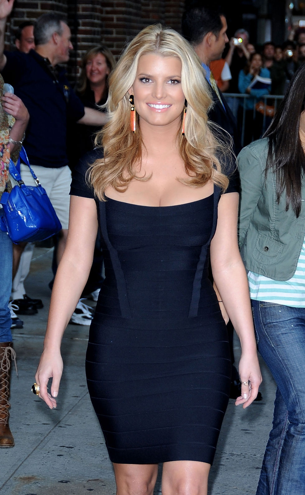 jessica-simpson-at-the-late-show-with-david-letterman-in-new-york-city-11