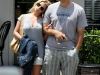 jessica-simpson-cleavage-candids-at-primos-in-dallas-10