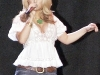 jessica-simpson-cleavagy-at-concert-in-canada-04