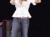 jessica-simpson-cleavagy-at-concert-in-canada-10