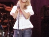 jessica-simpson-cleavagy-at-concert-in-canada-12