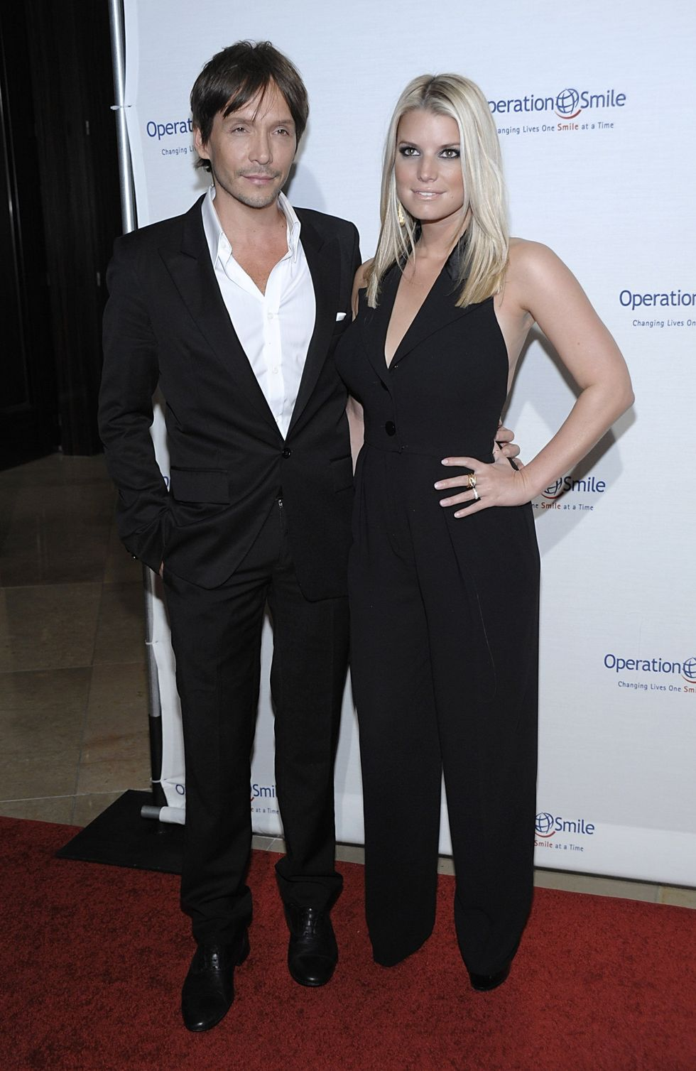jessica-simpson-operation-smiles-8th-annual-smile-gala-01